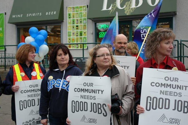 2013-04-19_lbed-province-wide-info-pickets_5.jpg