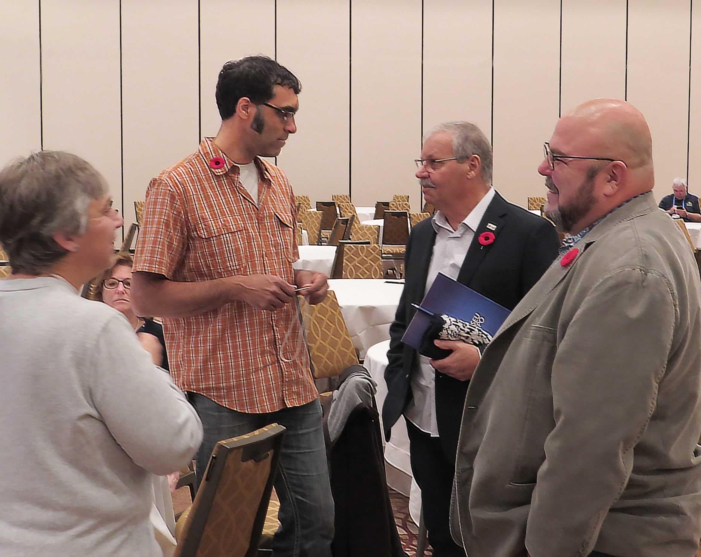 smokey_with_delegates.jpg