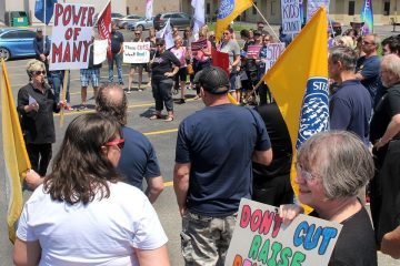 OPSEU joins protest at Chatham MPP's office