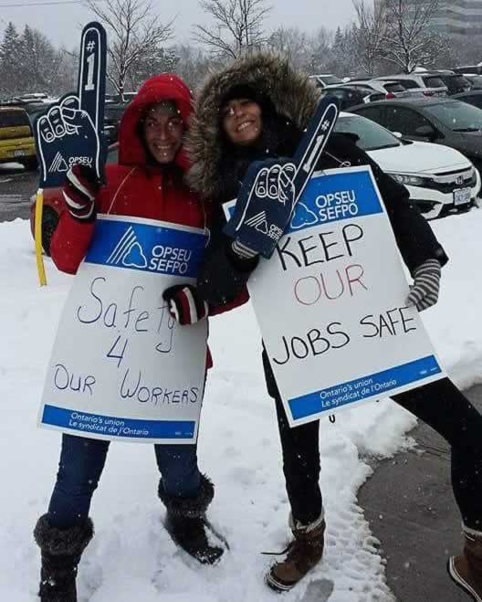 OPSEU Children's Aid Society members rally in Ottawa