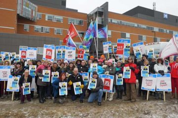 Thomas leads rally against Peterborough wage freeze