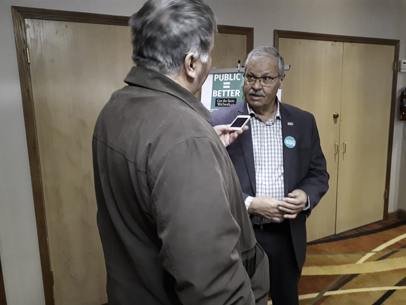 Warren (Smokey) Thomas at Kenora town hall