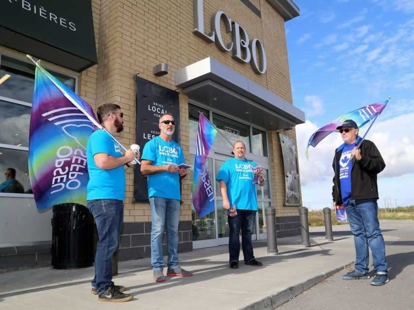 LCBO workers picket against privatization
