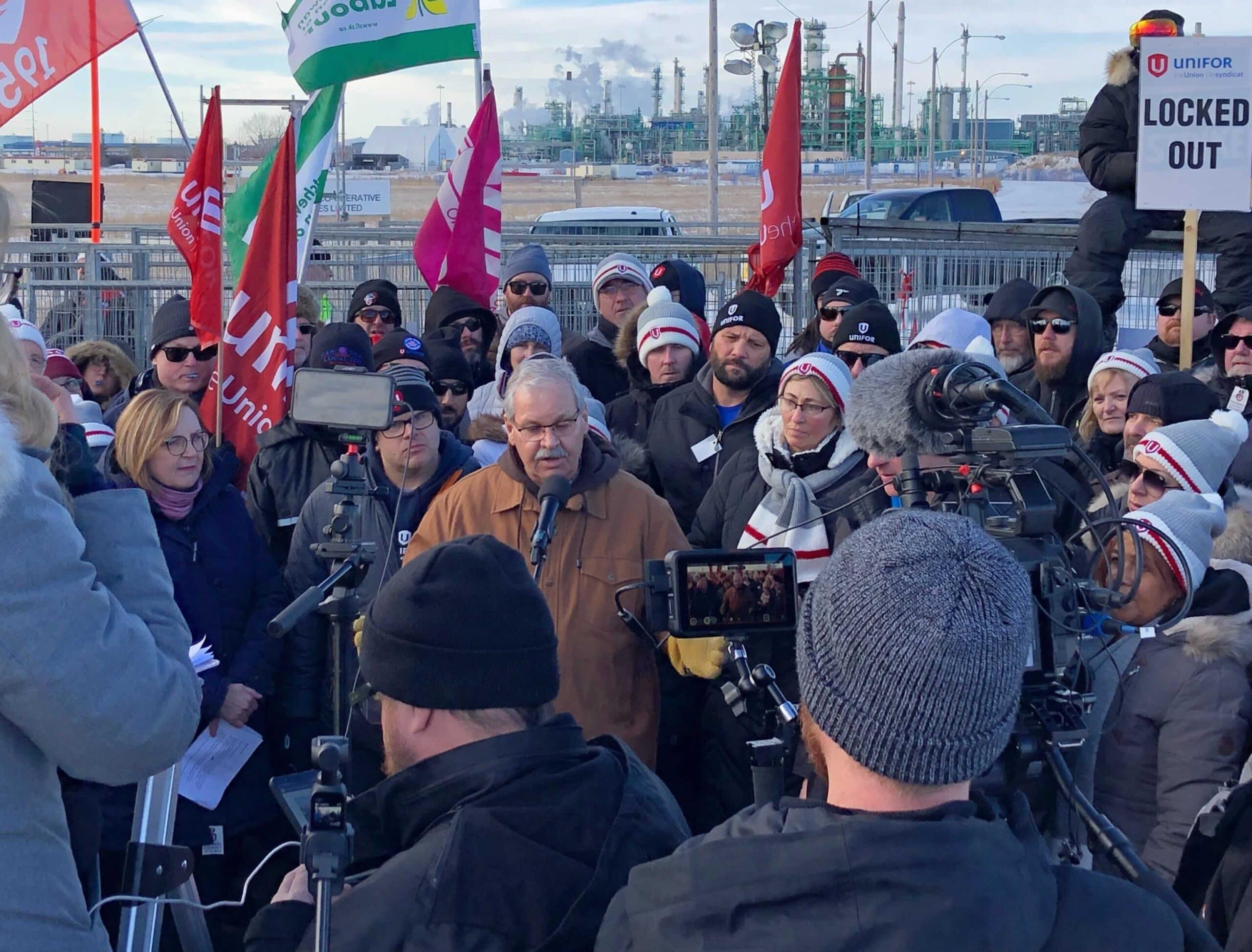Thomas at Unifor rally in Regina